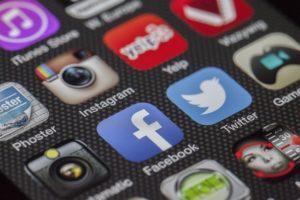 Reseaux-sociaux-facebook-twitter-network-n-web